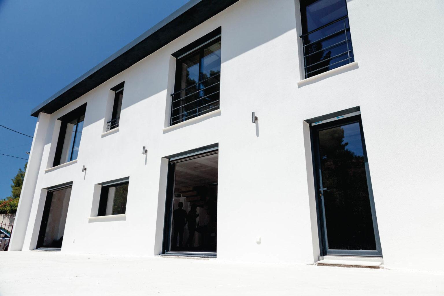 villa-contemporaine-blanche-05