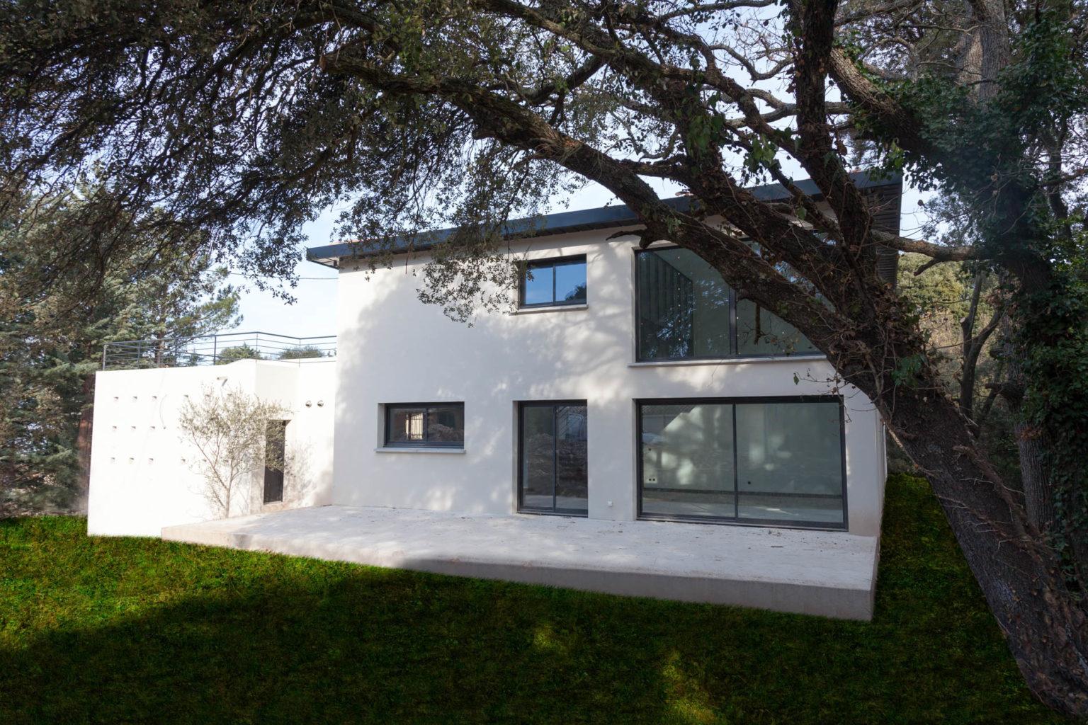 villa-contemporaine-celony-03