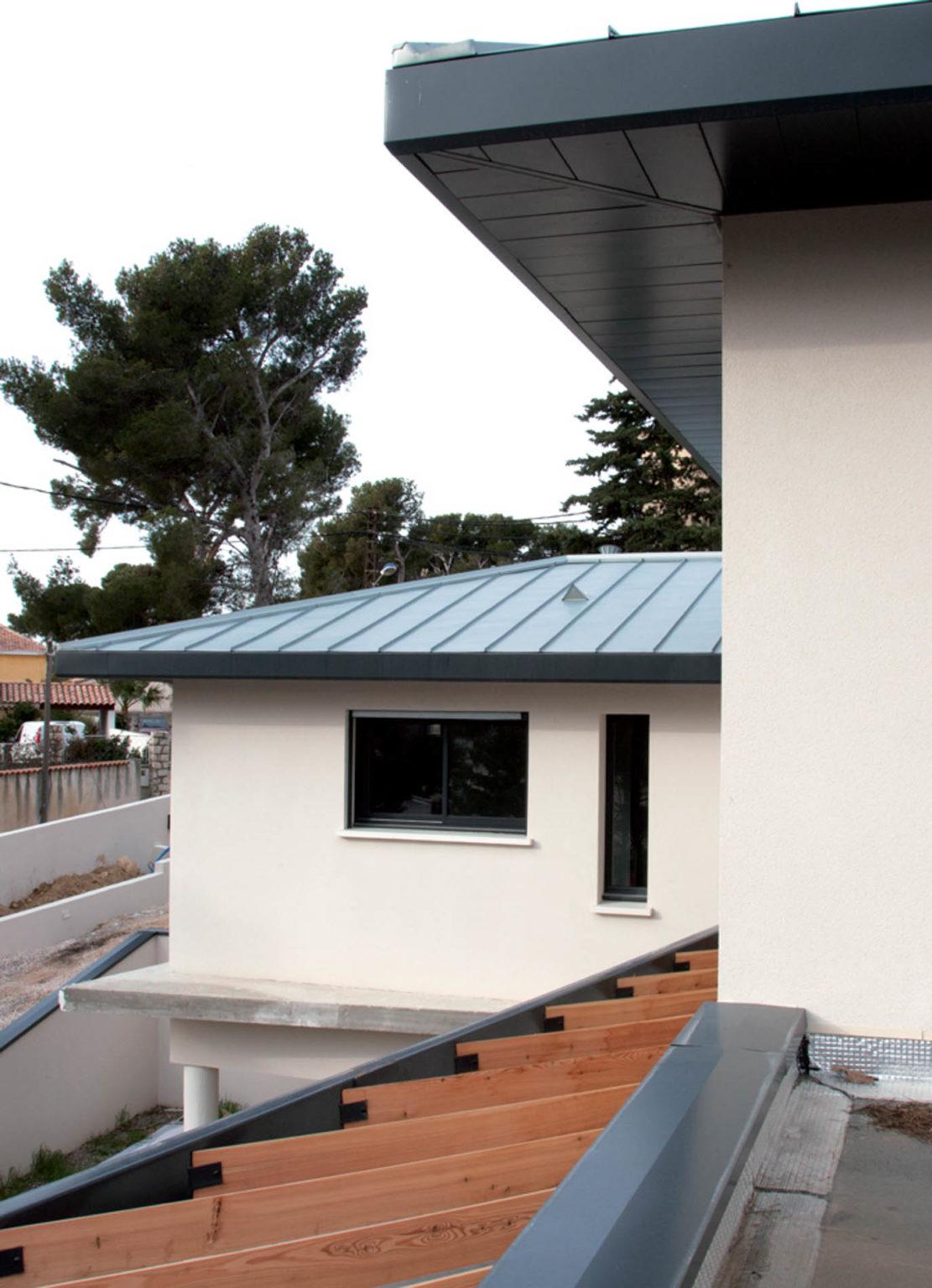 villa-contemporaine-cote-bleue-09